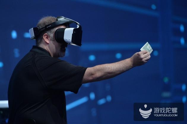 英特尔推出免费VR头显 应用融合现实技术可裸手操作
