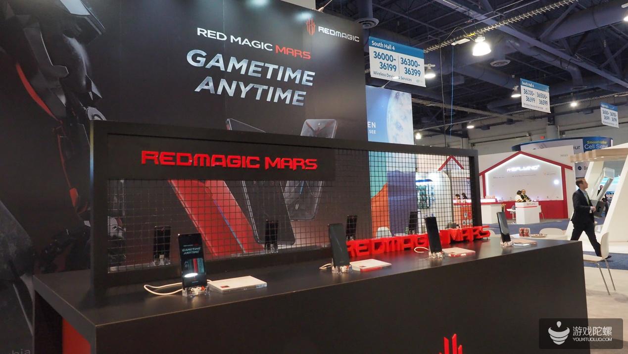 努比亚CES 2019上展示电竞手机红魔以及双屏手机努比亚X