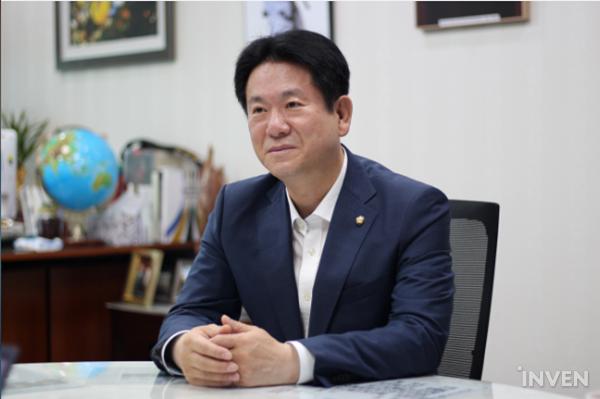 """韩国正式实施""""游戏代练惩罚""""修正案,违者将判处2年监禁"""