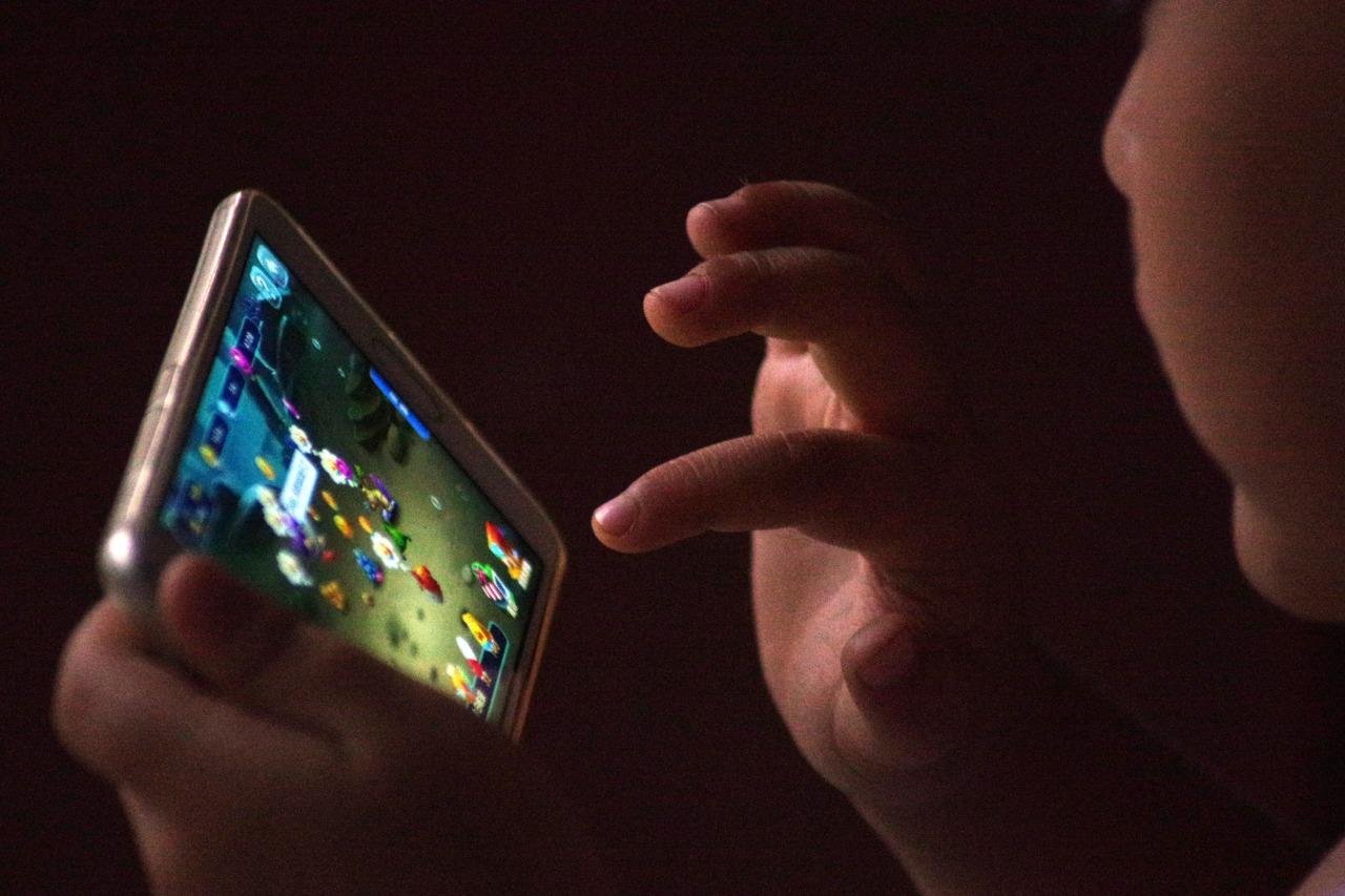深圳市新闻出版局:全市游戏尽快接入国家实名认证系统,6月1日前未接入将停止运营
