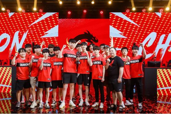 垫底到冠军:上海龙之队扭转乾坤,赢得2021赛季《守望先锋联赛》总冠军