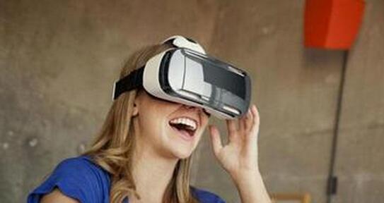 《快公司》杂志:仅11%美国人明年愿花超过1000美元体验VR