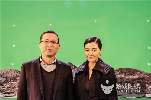 银河数娱董事长饶昊苏与谭维维在现场合影