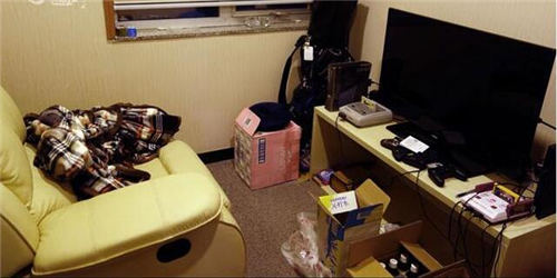 应书岭在办公室里设置了一个游戏休息室
